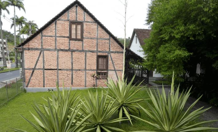 Museu da Família Colonial em Blumenau: Jardim