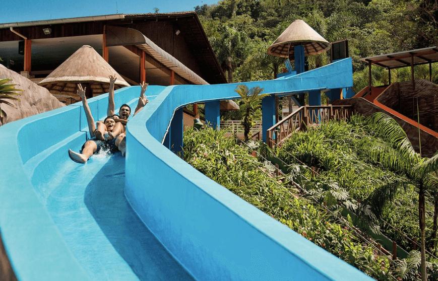 O que fazer no verão em Blumenau: Parque Aquático Cascanéia