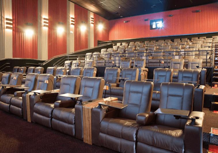 Ir ao cinema no inverno em Blumenau