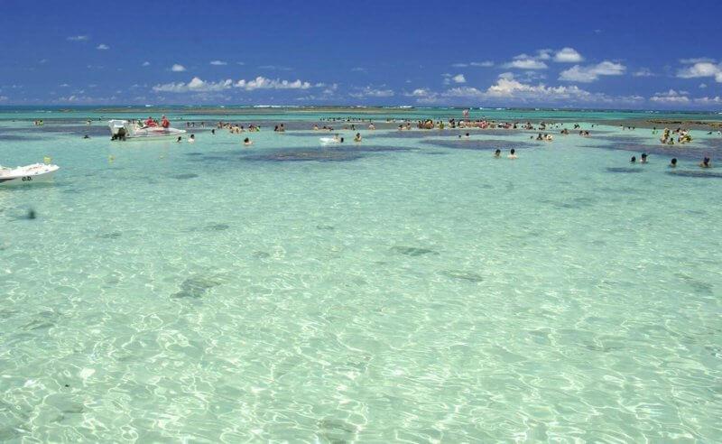 Piscinas naturais em Maragogi na Rota Ecológica da Costa dos Corais em Maceió
