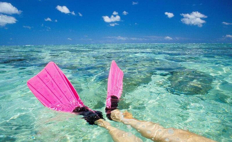 Fazer um mergulho na praia do Francês em Maceió