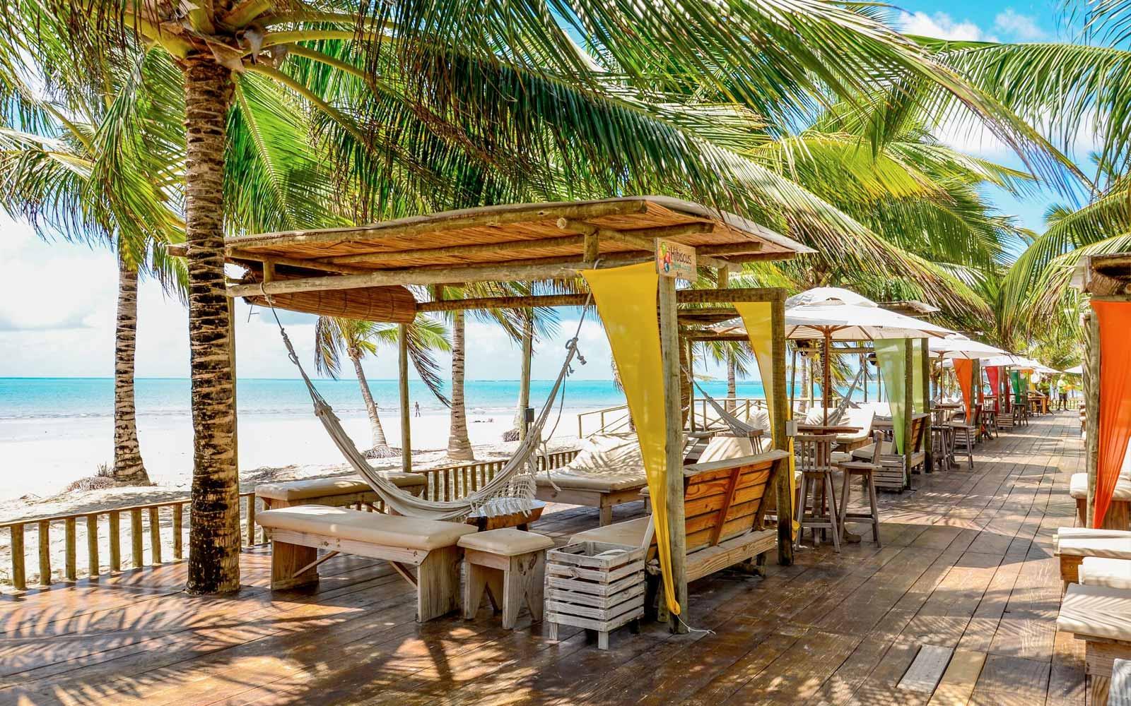 Melhores praias em Maceió: Hibiscus Beach Club