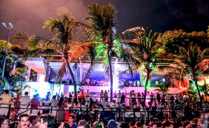Noite na Praia da Pipa em Natal